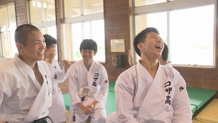 コザ高校空手部02